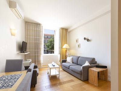 Photo for Home Sweet Home 12: Cozy 1 bedroom flat on Place Nationale