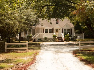 Photo for 3BR Cottage Vacation Rental in Locust Grove, Georgia