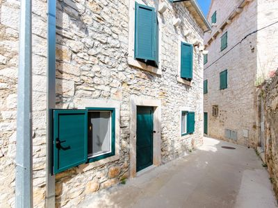 Photo for One bedroom apartment with air-conditioning Supetar, Brač (A-5656-a)