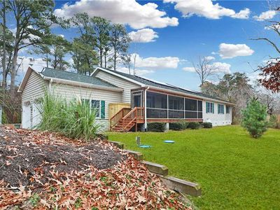 Photo for Tranquil Escape: 4 BR / 3.5 BA single residence in Chincoteague Island, Sleeps 12