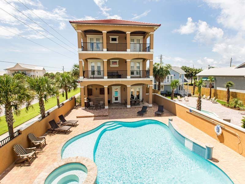 Luxury beach rental in destin private pool homeaway for Vacation rentals with private swimming pool