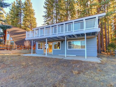 Photo for Family-size cabin near ski slopes - great golf course views from the large deck!