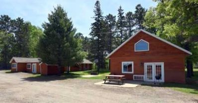Photo for Beautiful 2 Bedroom + Loft cabin just off the water (Cabin #8)