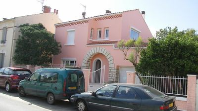 Photo for Very pretty villa entirely renovated, on closed garden shaded.