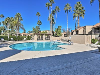 Photo for New! Scottsdale Luxe Townhome in McCormick Ranch