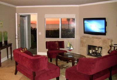 Watch 46 inch flat screen HDTV or enjoy the turquoise blue ocean view!
