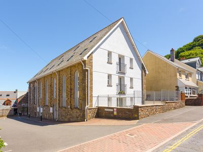 Photo for 10 Jubilee Court, LYNTON