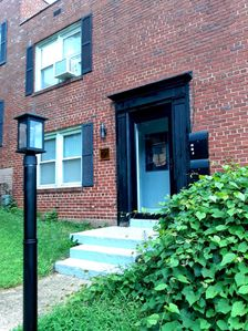 Photo for Charming, Cozy & Convenient 2 BR, 1 Bath Duplex On Metro Line w/Free Parking!