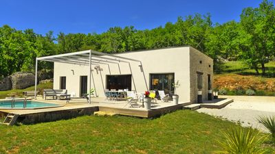 Photo for Contemporary cottage on one level at 20 min. from CAHORS