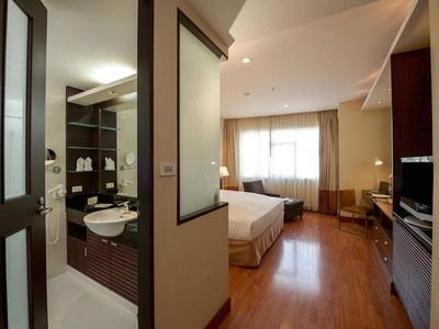 Photo for Executive 1 Bedroom Apartment in Bangkok City Center (OB-37)