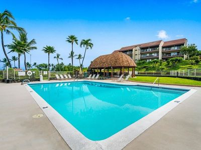 Photo for KONA LG 3/3 Condo, Ocean/Golf View, HUGE Lanai w BBQ, Pool, Quiet, Sleeps 6