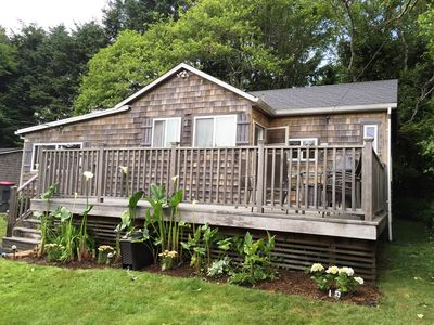 Wonderful little Cottage one block from the beach and in the downtown area..