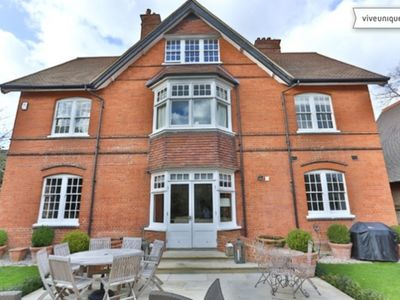 Photo for New:   A perfect blend of traditional and modern with easy access to London
