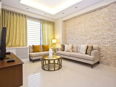 Photo for Lovely and Spacious 1BR Eastwood Condo