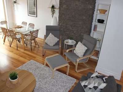Photo for Quiet and comfortable townhouse - walk to river, tram and Highpoint Shopping