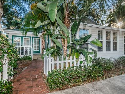 Restored Downtown 2/2 Key West Cottage for Vacation/Relocation/Temp Housing