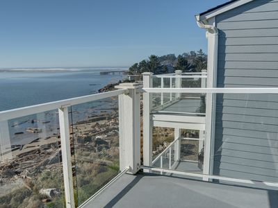 Photo for Top floor two-bedroom condo perfect for families with views of the Bay!