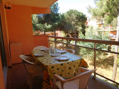 Photo for SPACIOUS INDEPENDENT STUDIO CABIN, ideal for 1 couple and 2 children