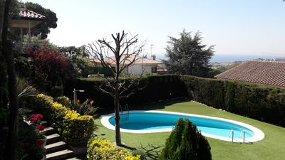 Photo for BARCELONA VIEWS - Apartment with garden and pool
