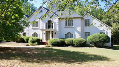 Photo for Beautiful French Provincial Home 4 miles from Stadium. Great for UGA Games!