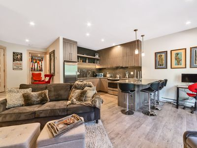 Photo for Contemporary Upscale East Vail Condo