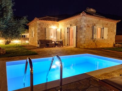 Photo for Villa Delilah cottage with private pool