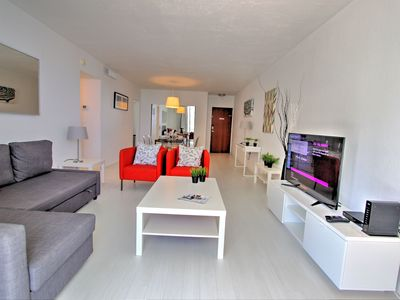Photo for Miami Hollywood Charming One Bedroom with Ocean View