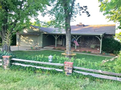 Cozy Lake Cottage just 5 minutes on paved roads with Wow Lake Views & Sunsets💜