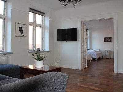 Photo for Cozy apartment near city center and airport, sleeps 12
