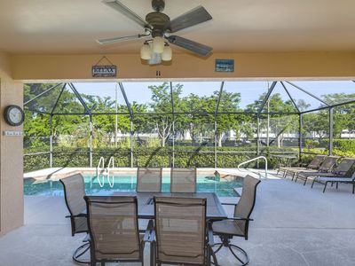 Photo for Family-friendly home, with private pool and convenient location