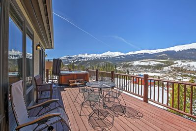 Look forward to soaking in a private hot tub at this vacation rental in Breck!