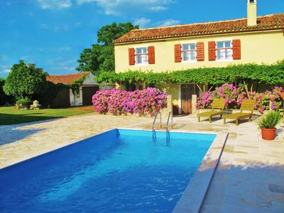 Photo for 4 bedroom Villa, sleeps 10 in Grandići with Pool and WiFi