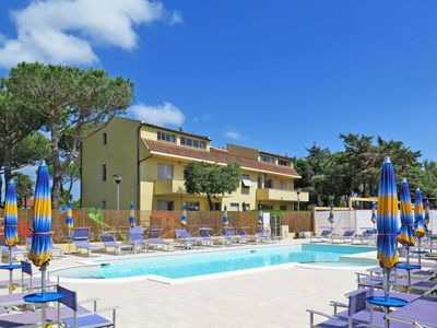 Photo for Apartment Residence Riviera (CMR214) in Cecina - 6 persons, 2 bedrooms