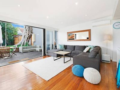 Photo for COOGEE Smithfield Ave- VILLA (I)