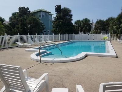Photo for Across from beach access, 1st floor condo, Pool, Walk to Shops & Restaurants