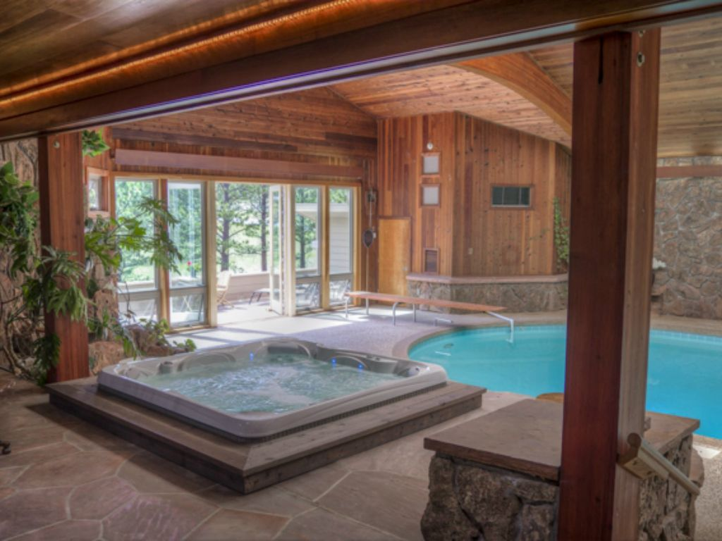 Beloved Panoramic Home, Indoor Pool/Hot Tub, spectacular views, walk ...