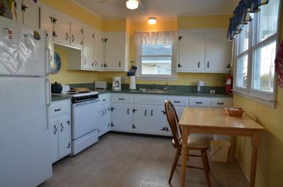 2nd floor kitchen - clean and bright