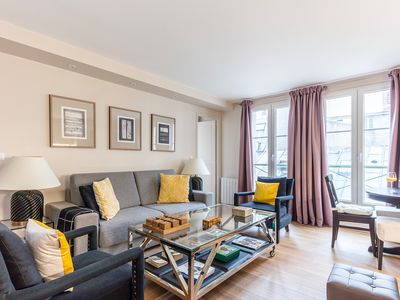 Photo for CHARMING FAMILY APARTMENT NEXT TO LOUVRE