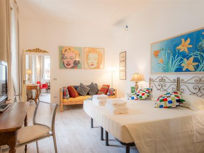 Photo for Delightful apartment into the historical center of Florence