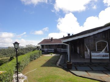 BEAUTIFUL HOUSE with PANORAMIC SENSATIONAL, Alto do Capivari, Campos do Jordao