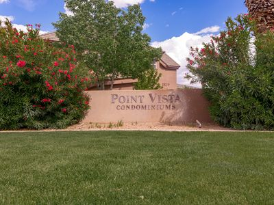 Photo for Your southern comfort awaits you at Point Vista with gorgeous red rock views.
