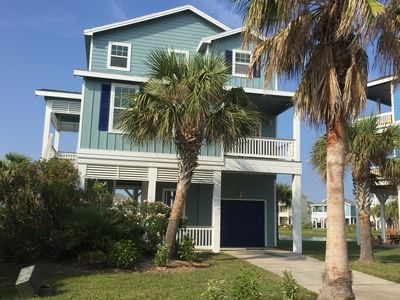 Photo for Brand New A/C Water Views front and Back ~ Sleeps 13! #PetsAllowed