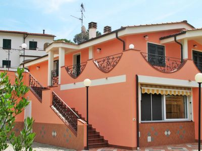 Photo for Apartment Villa Pace (IMP135) in Imperia - 4 persons, 2 bedrooms