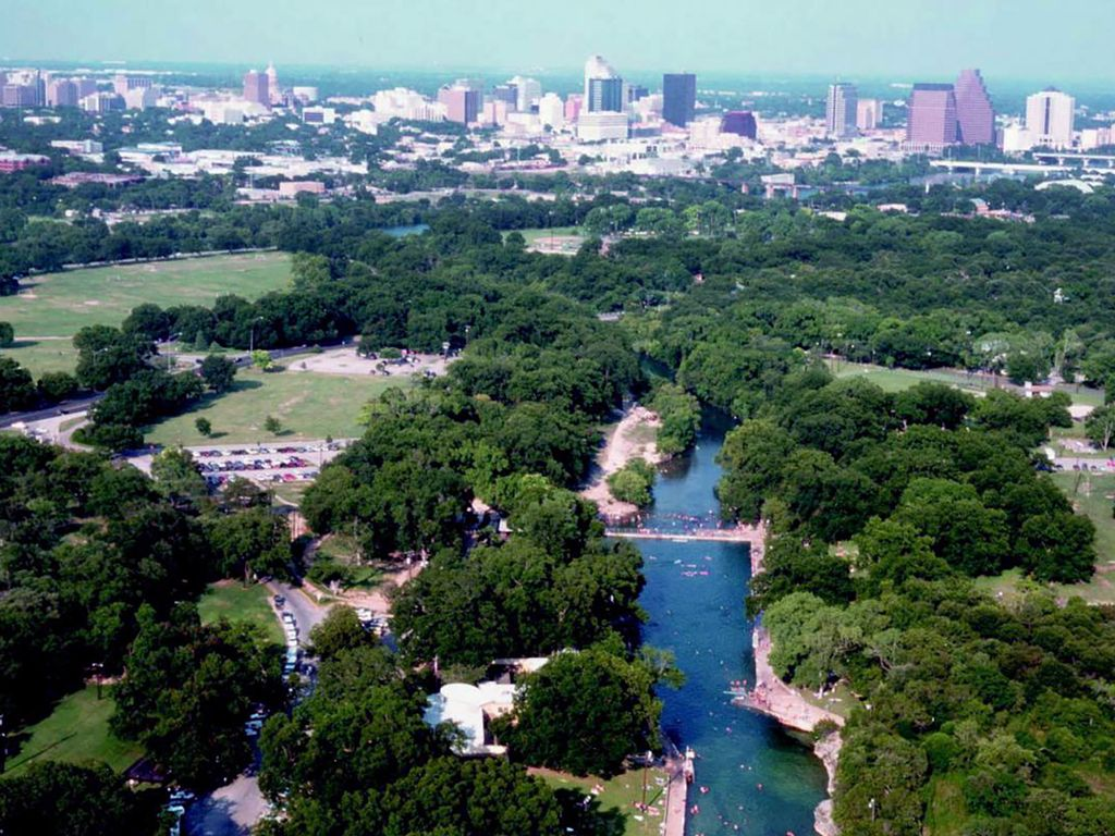 North austin luxury stay this fall winter austin texas for Luxury stays