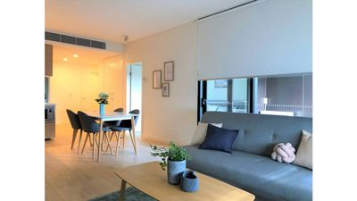 Photo for Leichhardt Modern Apartment 20mins from CBD!