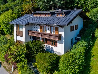 Photo for Beautiful ski-in, ski-out chalet with a unique view over Zell am See