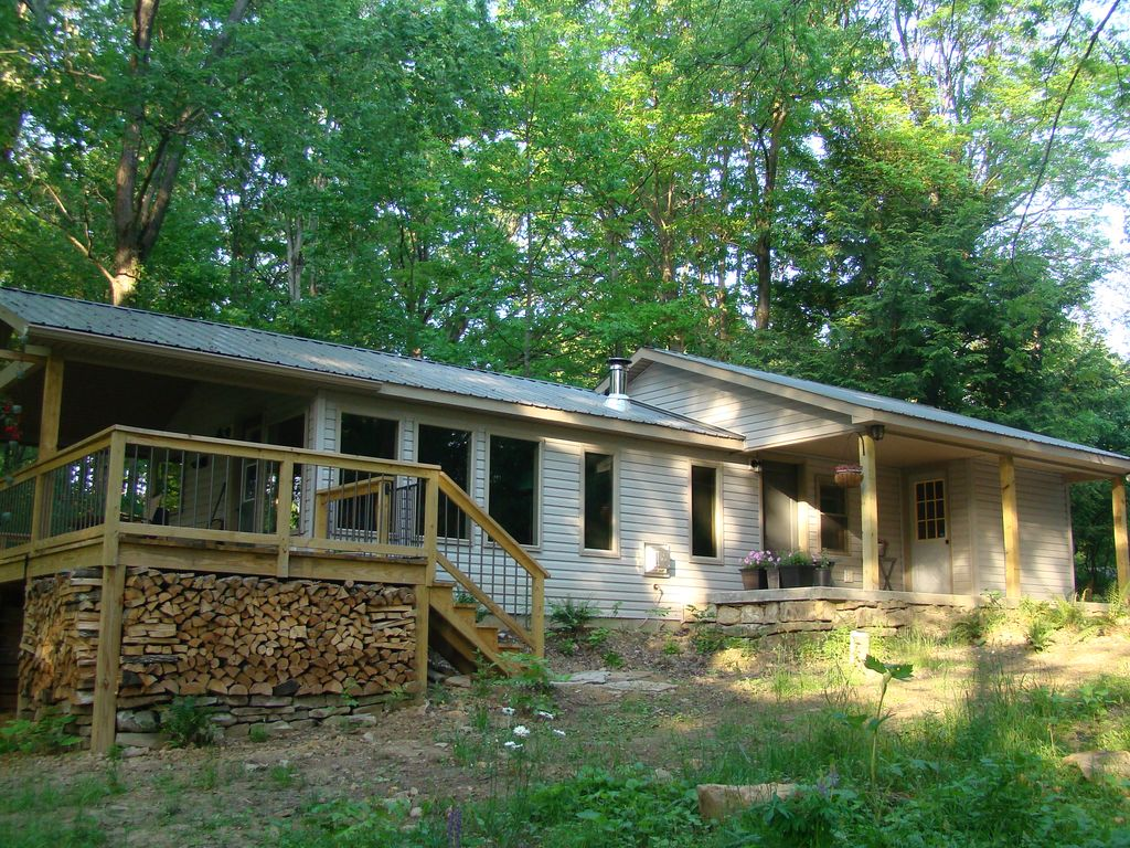Contemporary Woodland Cottage See Amenities In This Listing