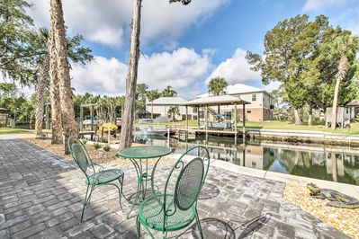 Located on the canals of Crystal River, this location can't be beat!
