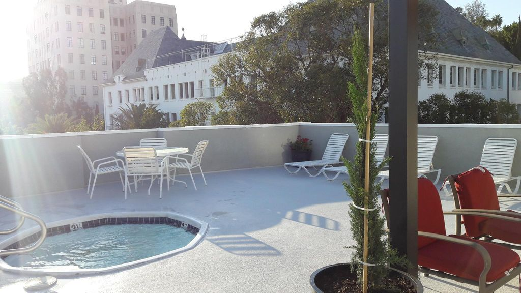 Luxury Apartment by Hollywood Walk of Fame