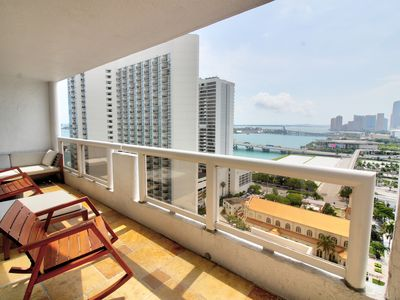 Photo for ⭐One Bedroom Condo with complimentary VALET parking ⭐#2552